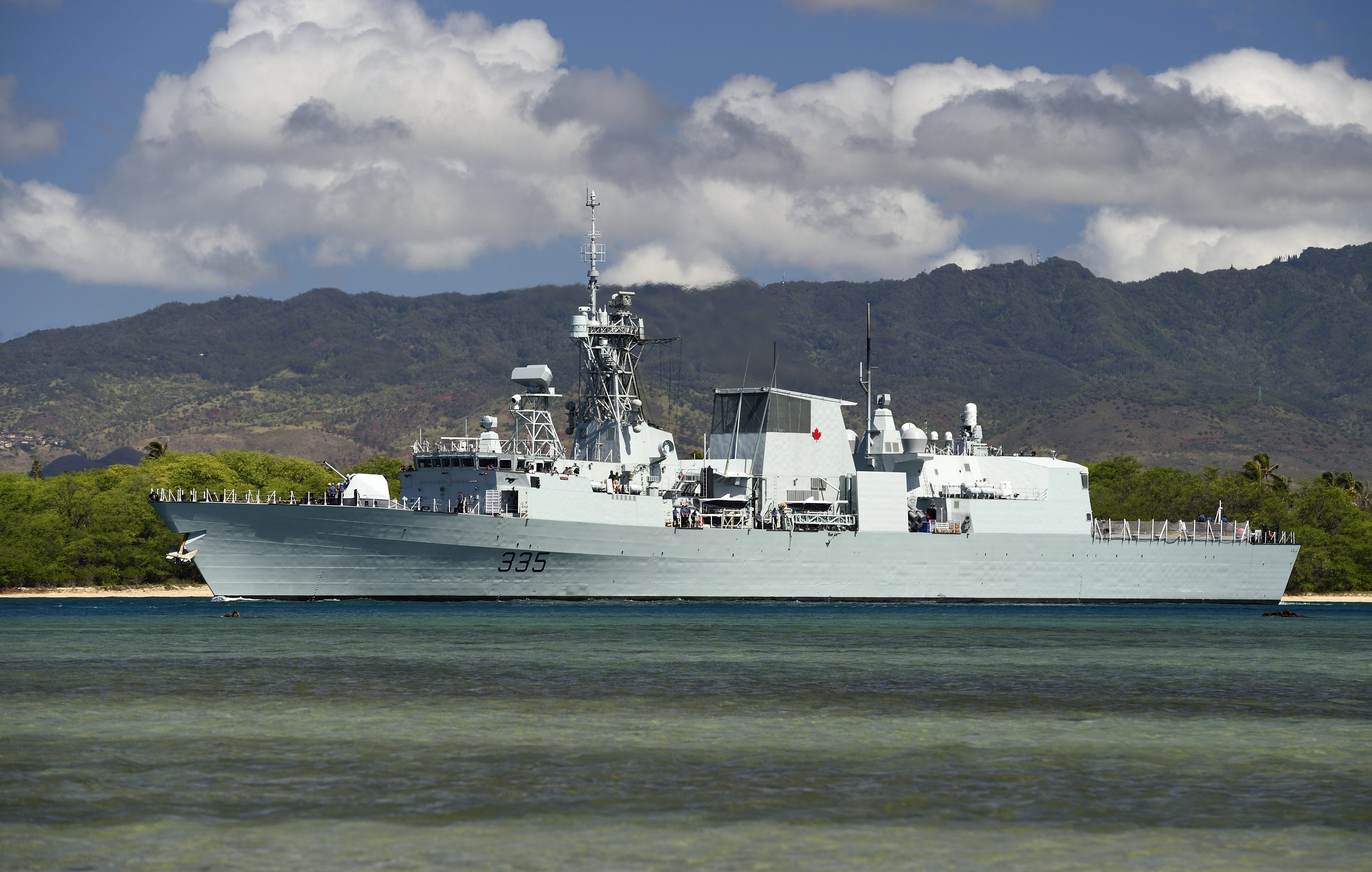 Her Majesty's Canadian Ship CALGARY (FFH-335) departs Pearl Harbor on July 8, 2014 for the at sea phase of Exercise Rim of the Pacific (RIMPAC) 2014.